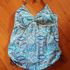 Liz Lange maternity swim top